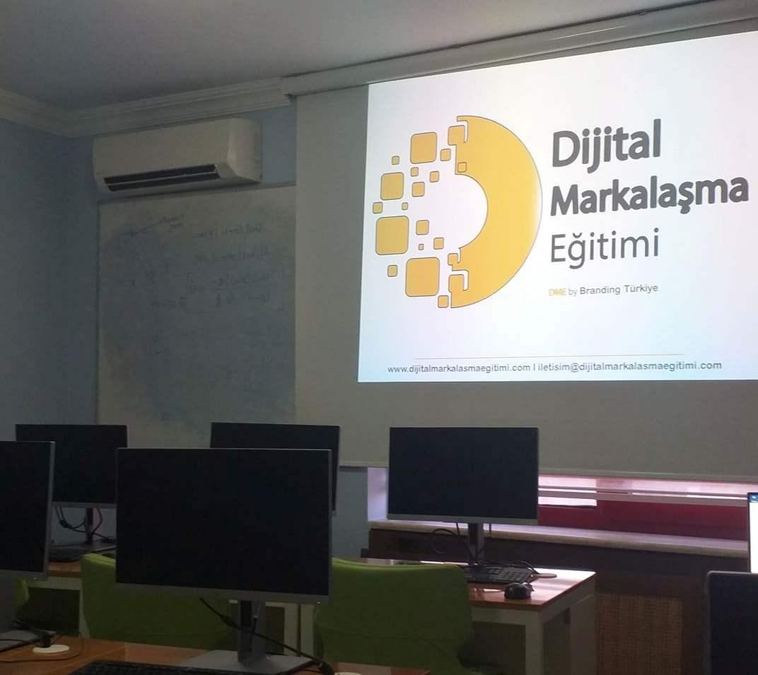 İstanbul'da Dijital Markalaşma Eğitimi